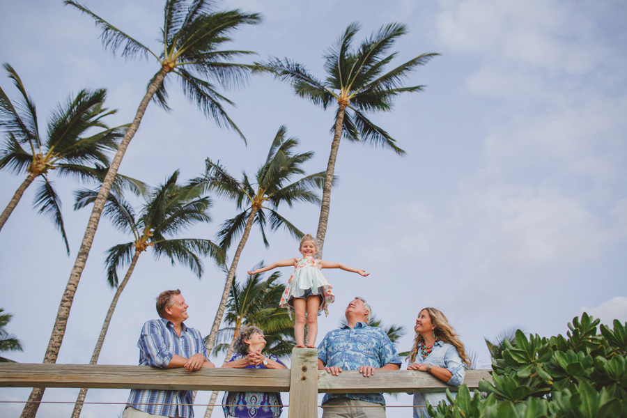 041-palm-tree-family-photographer