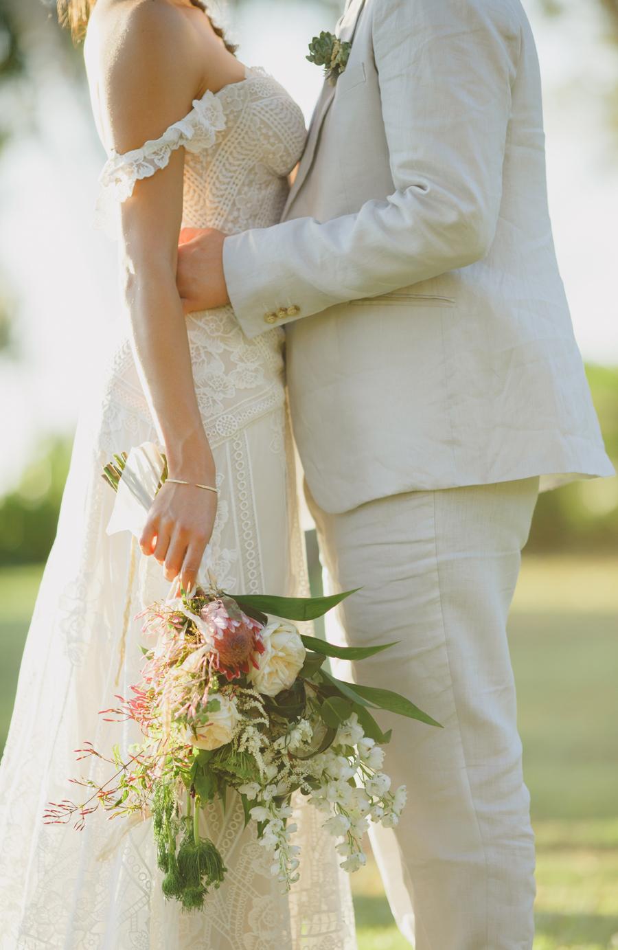 boho maui wedding flowers
