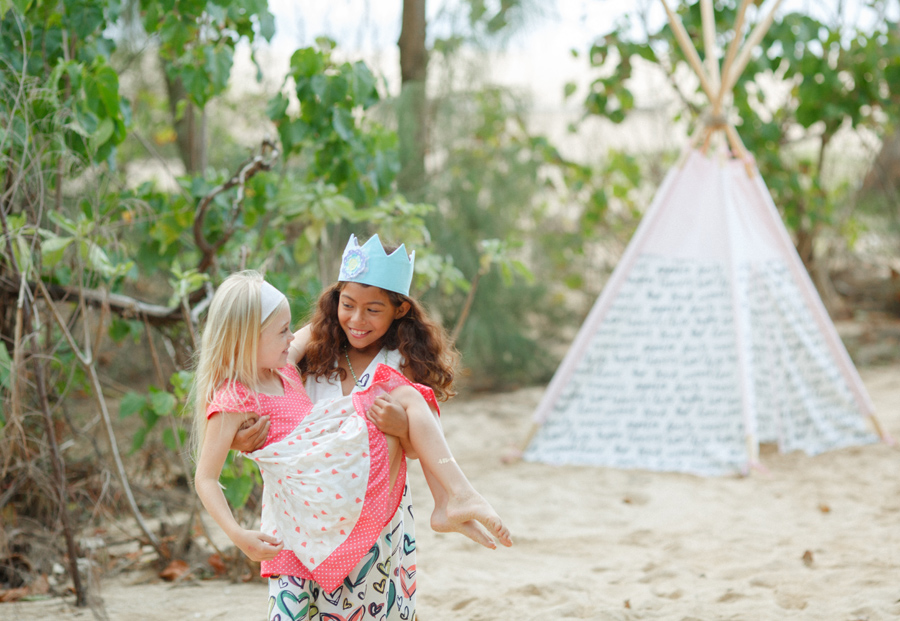 Friends Laugh Maui Photography