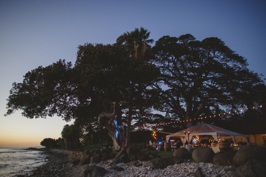 olowalu plantation house at dusk