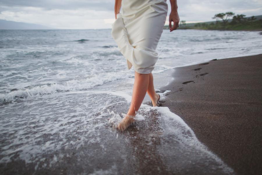 barefoot bride maui