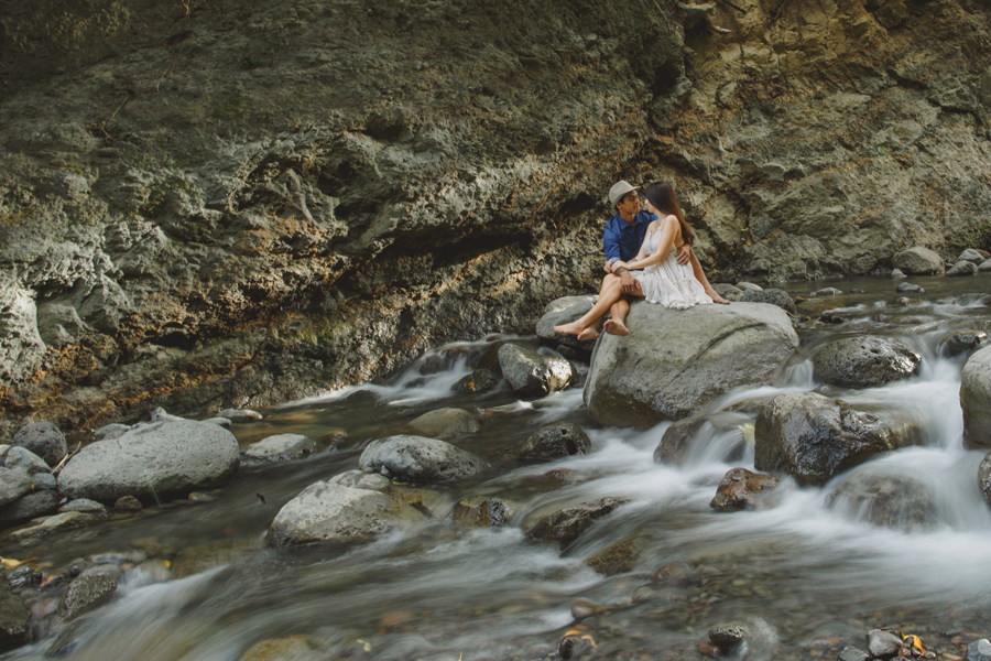 Slow shutter speed maui engagement photography