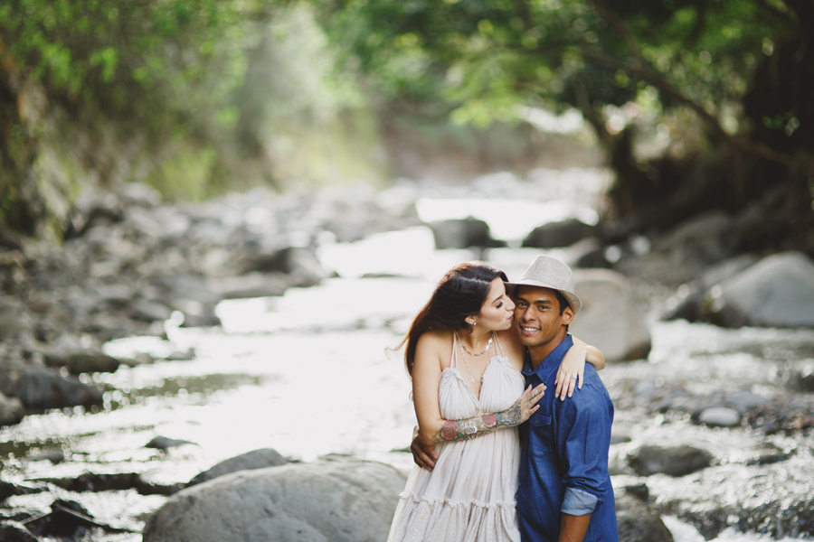 Iao Valley Engagement Photographer