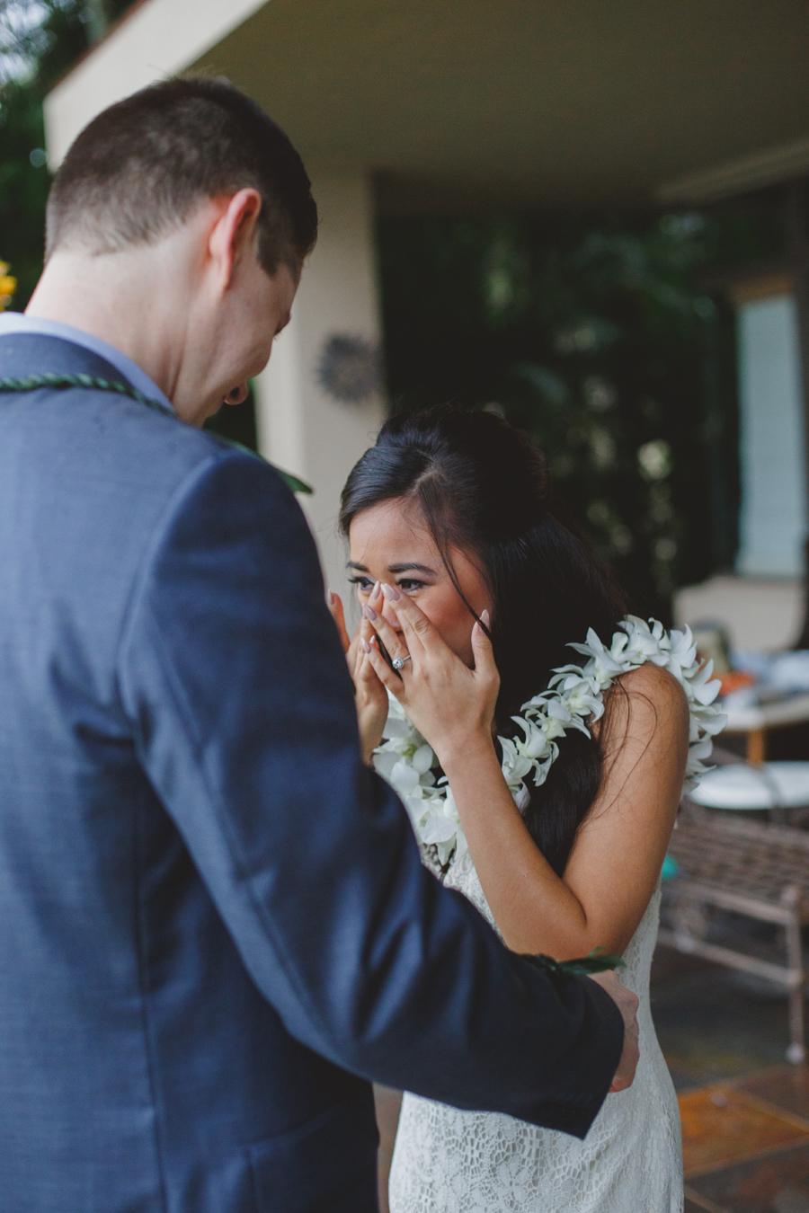 emotional wedding maui photographer