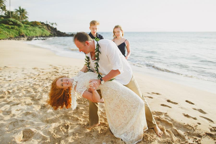 124-silly-beach-elopement-maui.jpg