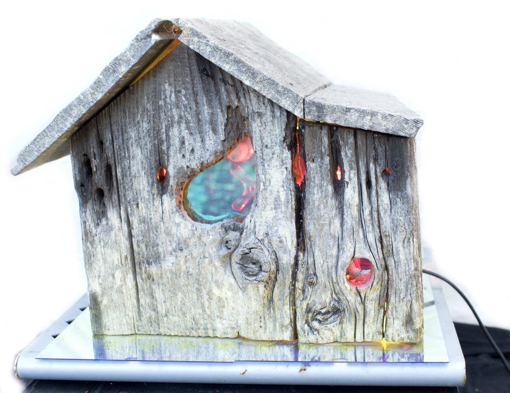 """Birdhouse 26"""" x 14"""" x 14"""""""