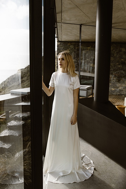 T-shirt gown for a modern bride L'eto Bridal