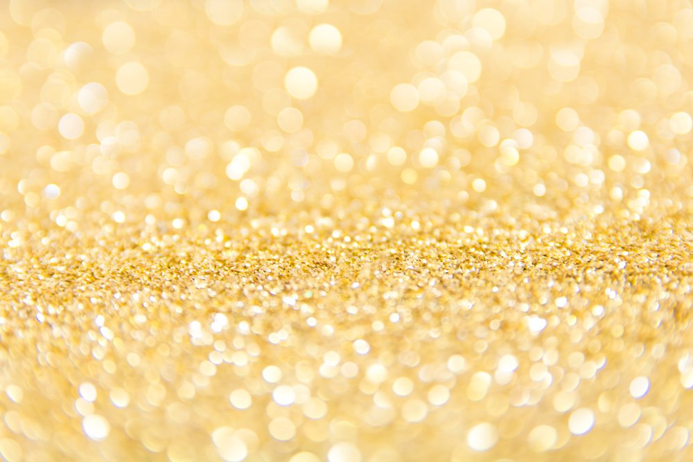 Gold - This luxurious powder mask is specially formulated with real gold to restore elasticity and suppleness, enhance cell regeneration, moisturize, and soothe the skin.