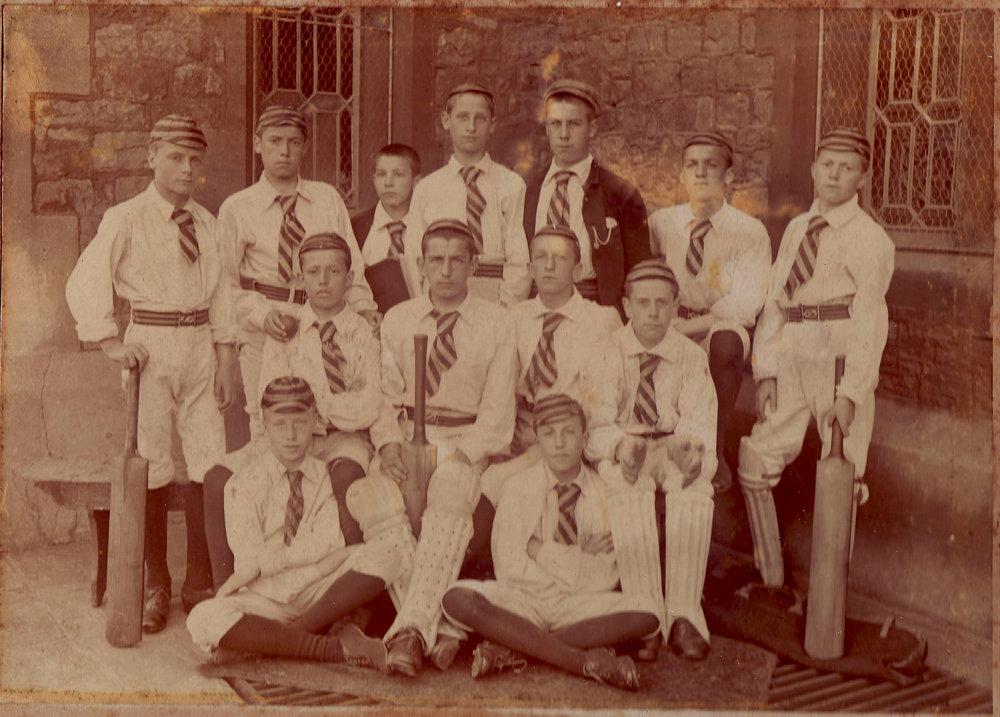 QEH 1st XI 1896.jpg