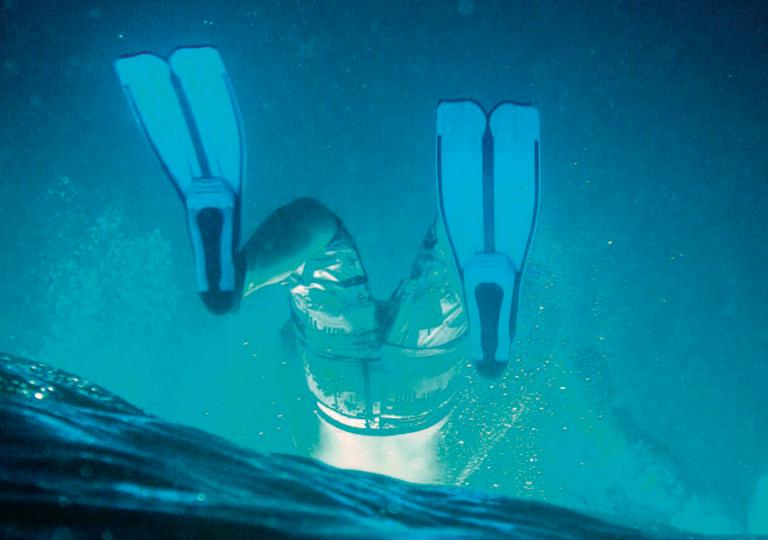 man-upside-down-in-ocean-tyson-jopson.png