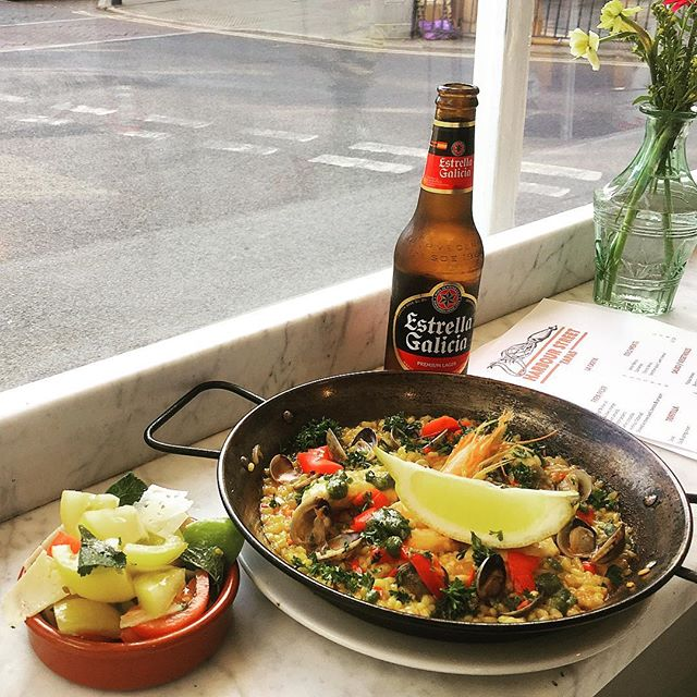 Tomorrow's lunch special: Paella, tomato salad and a drink £12 🍻 #harbourstreettapas #menudeldia #lunchspecial #paella