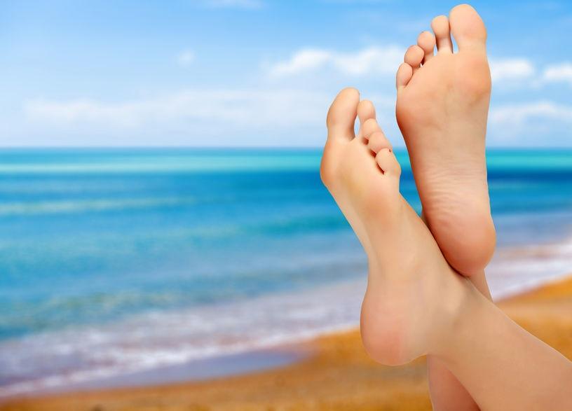 31438867_M_Feet_Beach_Sunny_Toes_Water_Ocean.jpg