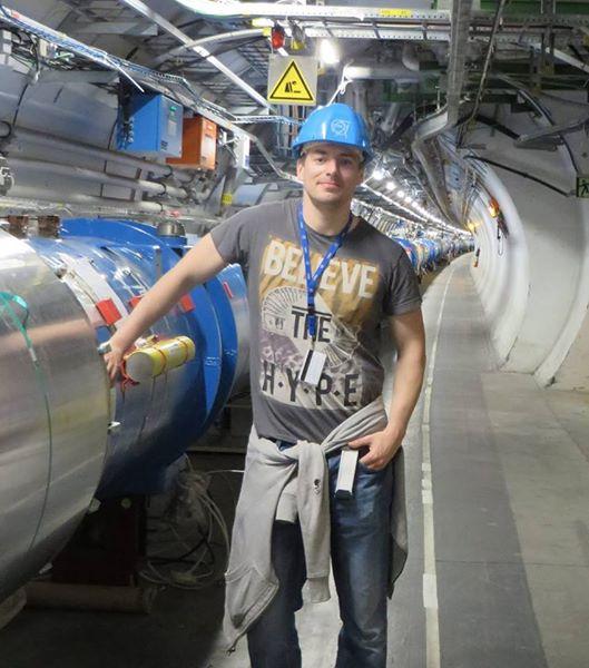 Sam_in_LHC.jpg