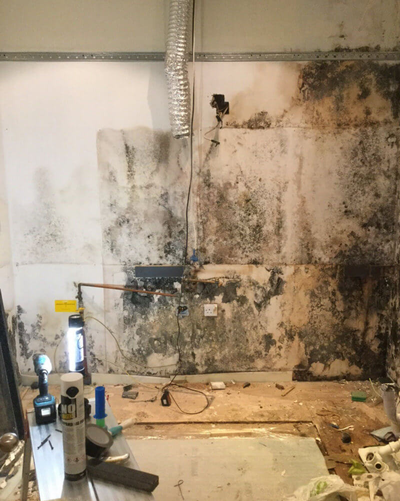 The Incident - This salubrious property in the heart of the docklands was suffering from a foul smelling ingression of water  into several rooms in the property. The claim had been ongoing for 2 years and despite the best efforts of the managing agent to sort the problem, the process had stalled.