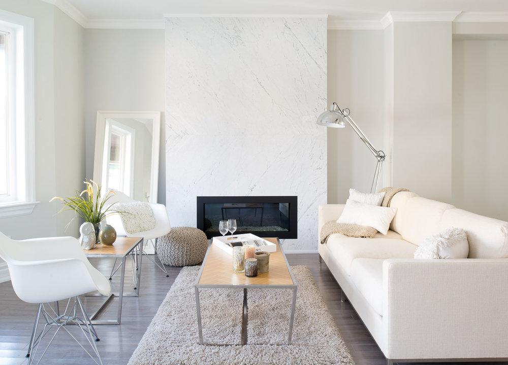 white-scandinavian-chairs
