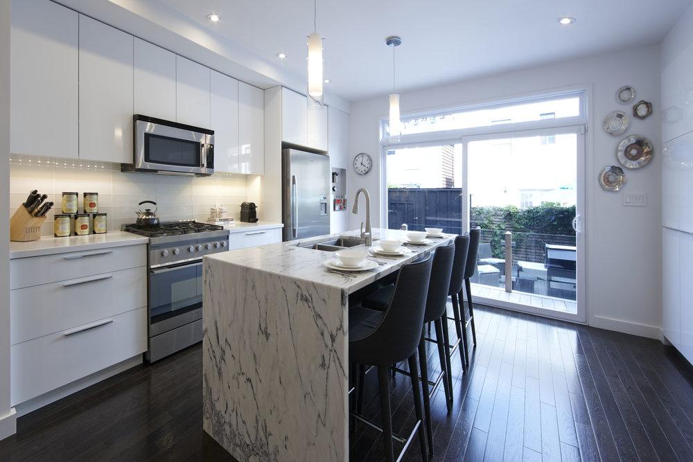 black-and-white-waterfall-kitchen-island