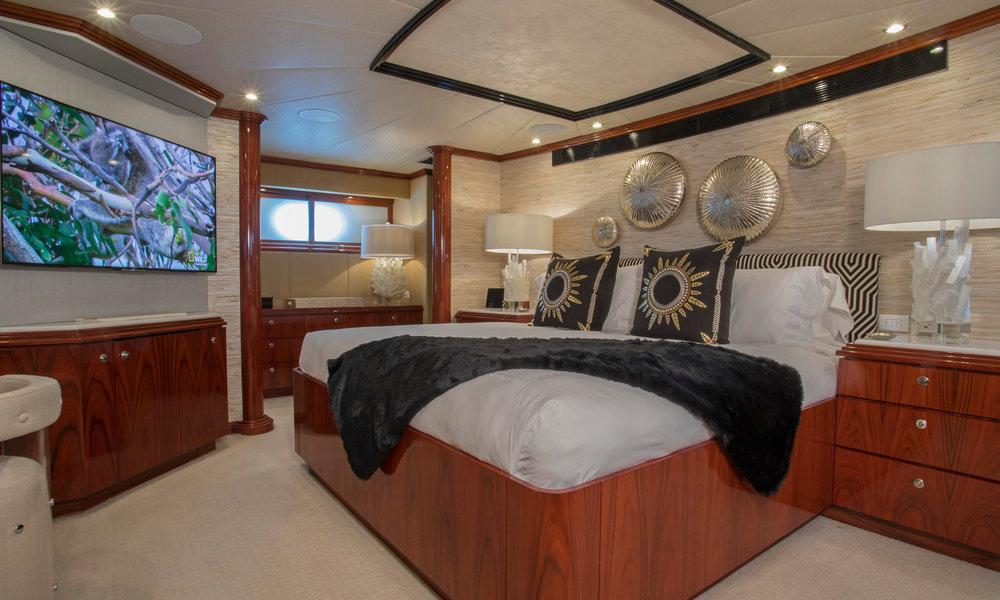Yacht-Sweet-Escape-Photos-Boat_14.jpg