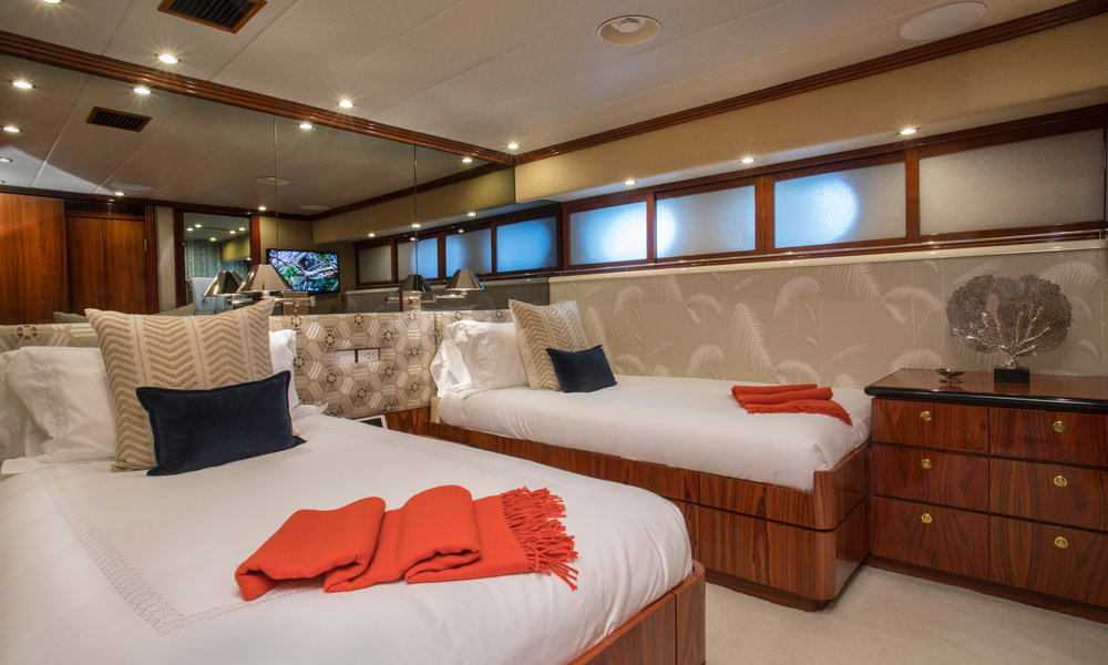 Yacht-Sweet-Escape-Photos-Boat_22.jpg