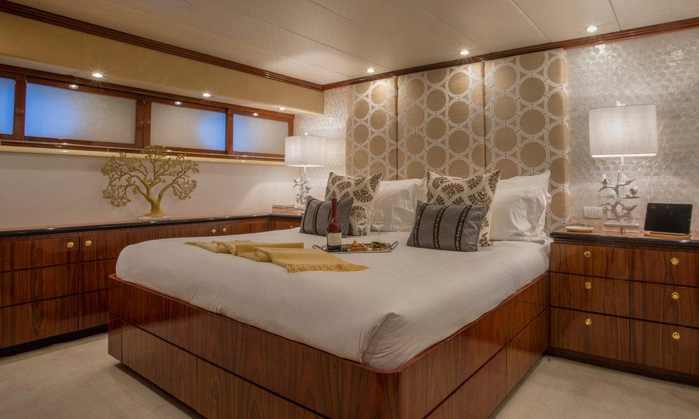 Yacht-Sweet-Escape-Photos-Boat_20.jpg