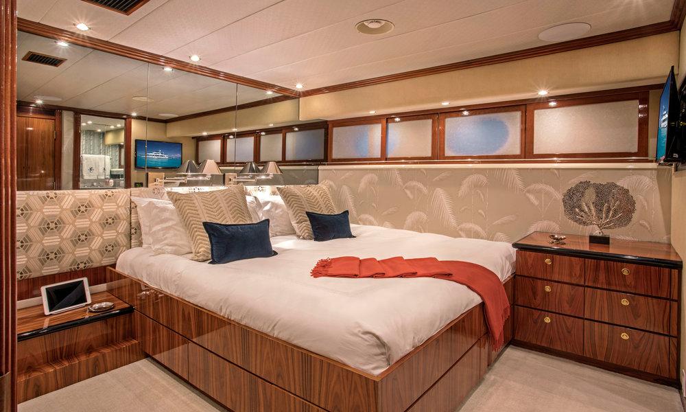 Yacht-Sweet-Escape-Photos-Boat_21.jpg