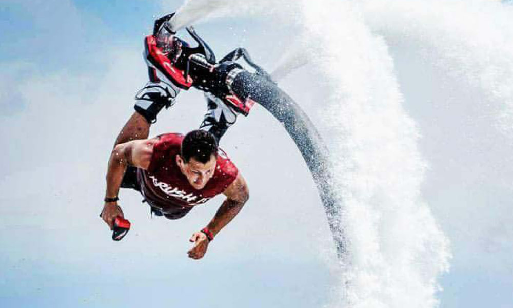 Rush Braff, impressive skills both as professional Flyboard® Athlete and Master Instructor for commercial and personal courses.