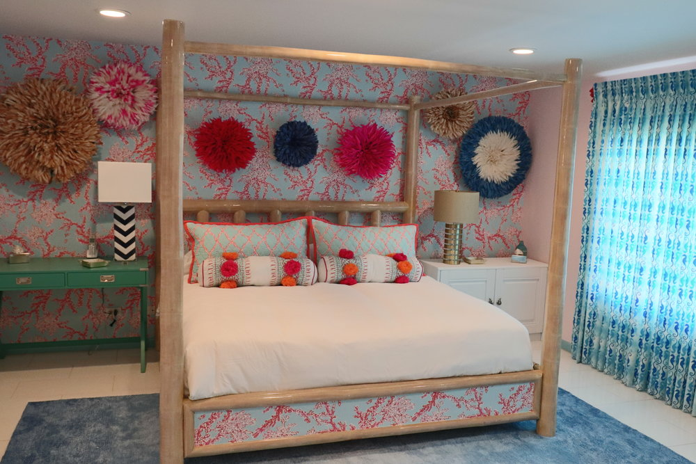 sweet-escape-cottage-paradise-island-lily-pulitzer-master-bedroom-juju-hats