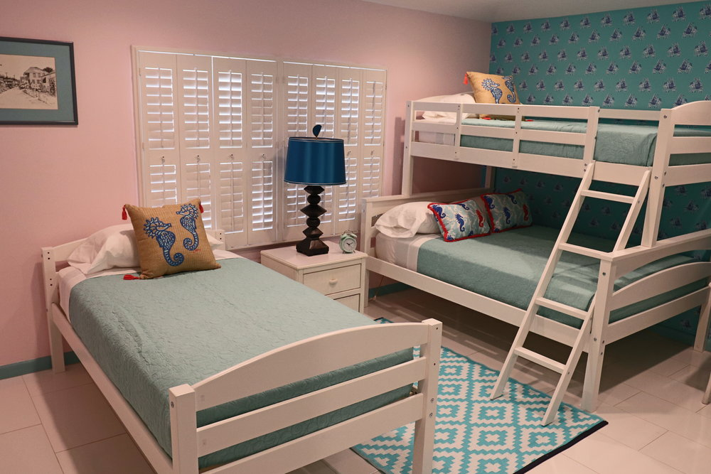 sweet-escape-cottage-paradise-island-lily-pulitzer-sea-horses-bunk-beds