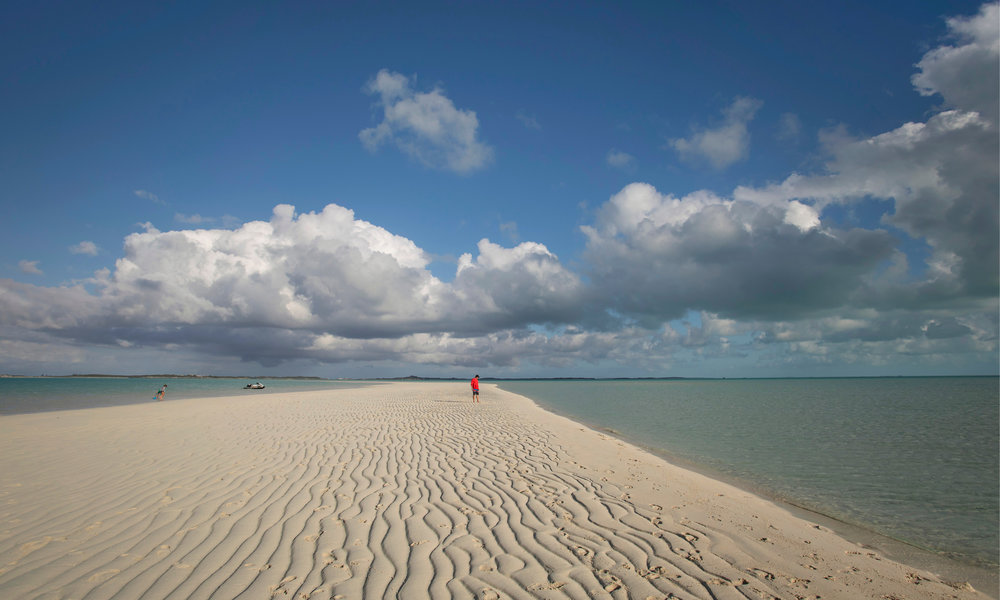 Exuma-charter-yacht0-sweet-escape-sandbar-sand-bank-bahamas