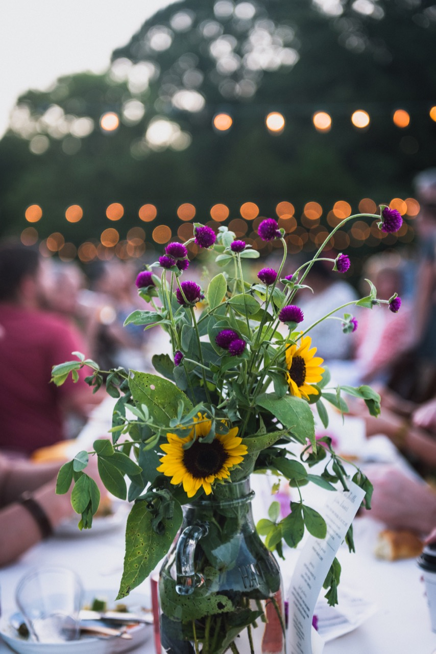 flowers_table_vertical.jpg