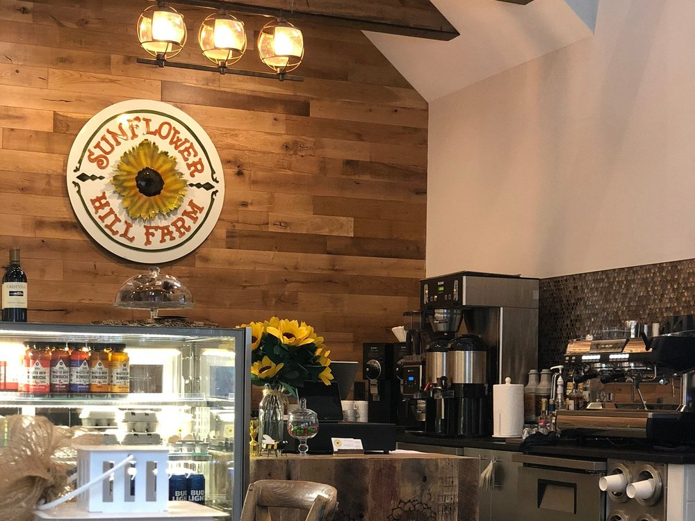 Produce Café - We strive to serve our community with great service, a delicious seasonally rotating menu and incredible drinks sourced from Park Avenue Coffee!
