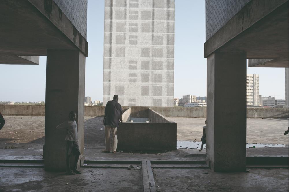 Guy Tillim,  Apartment Building, Avenue Bagamoyo, Beira, Mozambique , 2008, Archival Pigment Ink on cotton rag paper, © Guy Tillim