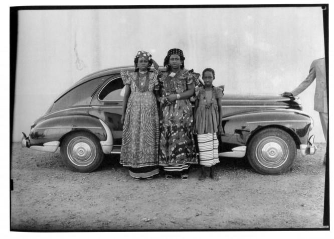Women-Posing-with-Car-666x476.jpg