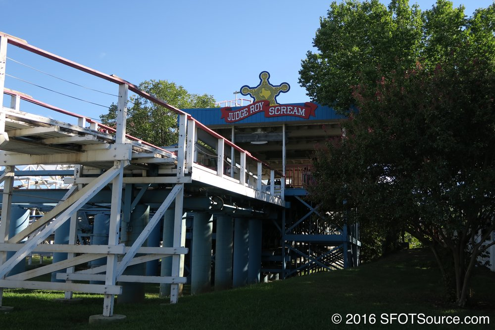 A look at the ride's station.