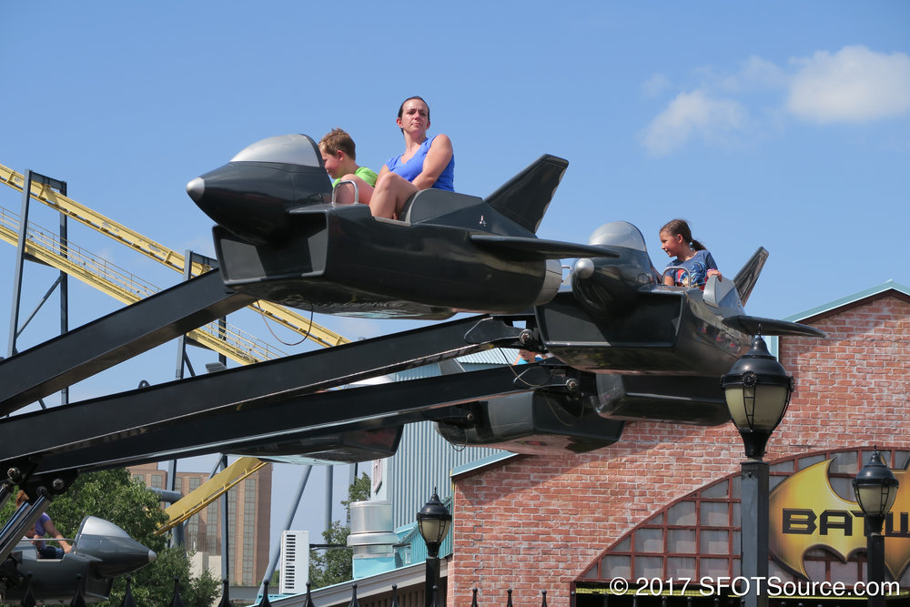 Batwing was installed in 2006 as a part of a 10-attraction package.