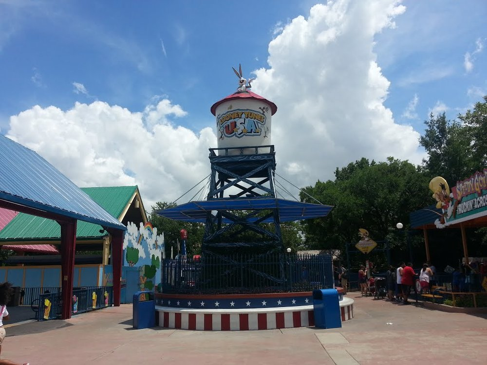 The former entrance to Looney Tunes USA prior to the 2014 refurbishment.