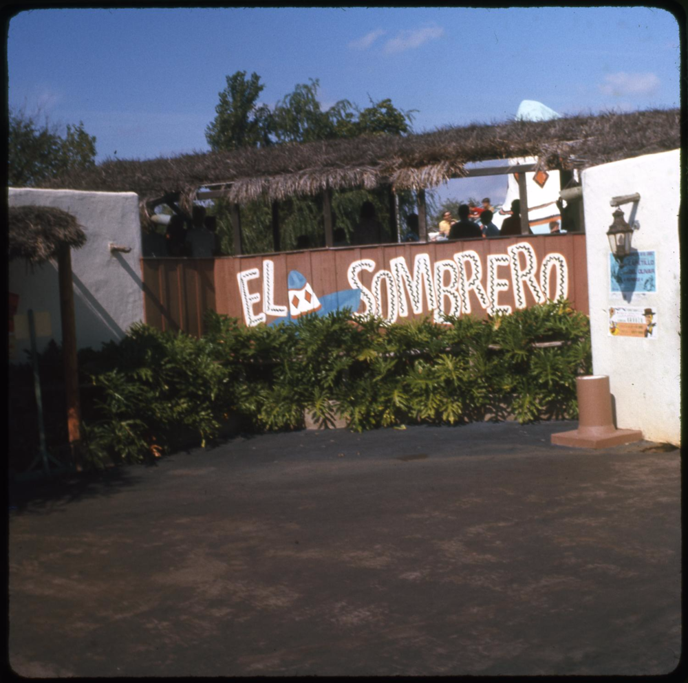 The former entrance to El Sombrero. Credit: The Portal to Texas History
