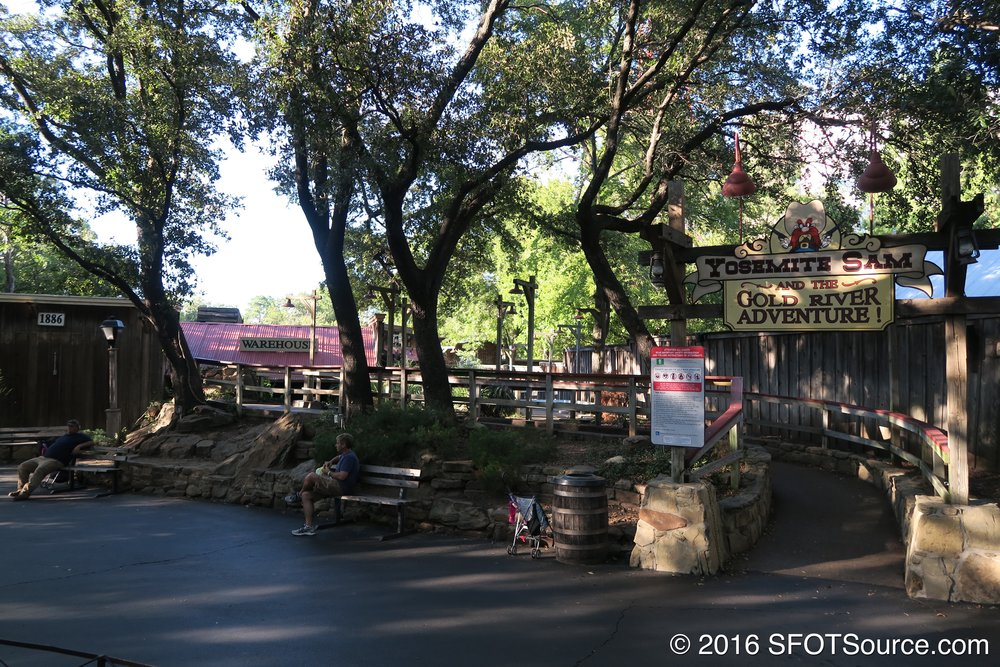 The entrance to Gold River Adventure.