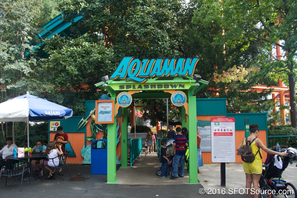The entrance to Aquaman Splashdown.