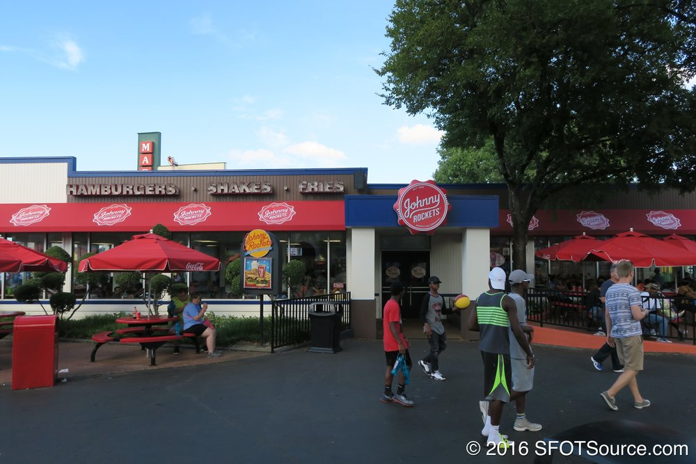 Johnny Rockets is an indoor restaurant in Gotham City.