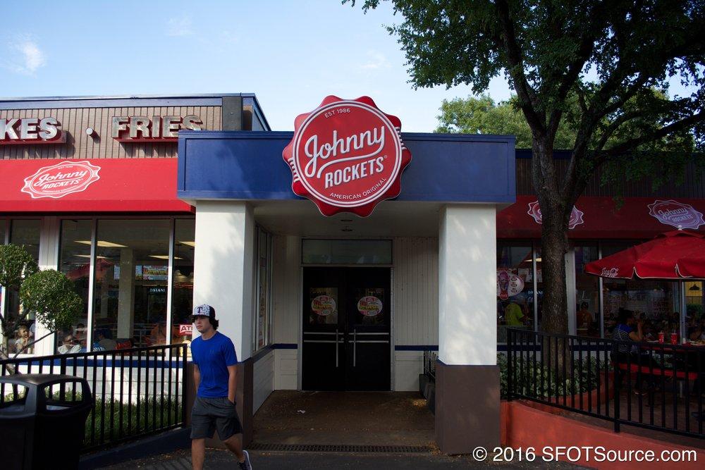 The main entrance to Johnny Rockets.