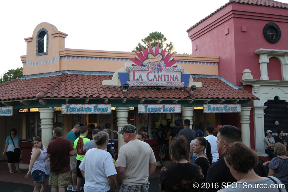 La Cantina is an outdoor restaurant.
