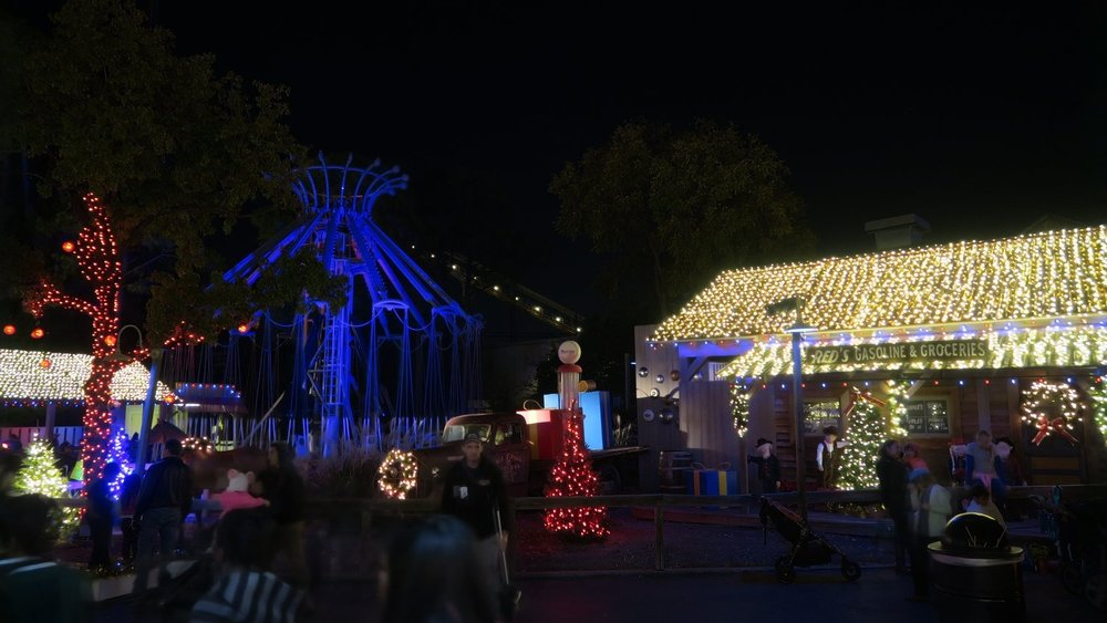 Deep in the Heart of Christmas - Featuring over 8 miles of Christmas lights, Deep in the Heart of Christmas is an impressive lighting spectacle that takes over the streets, buildings, and trees of the park's Boomtown section.