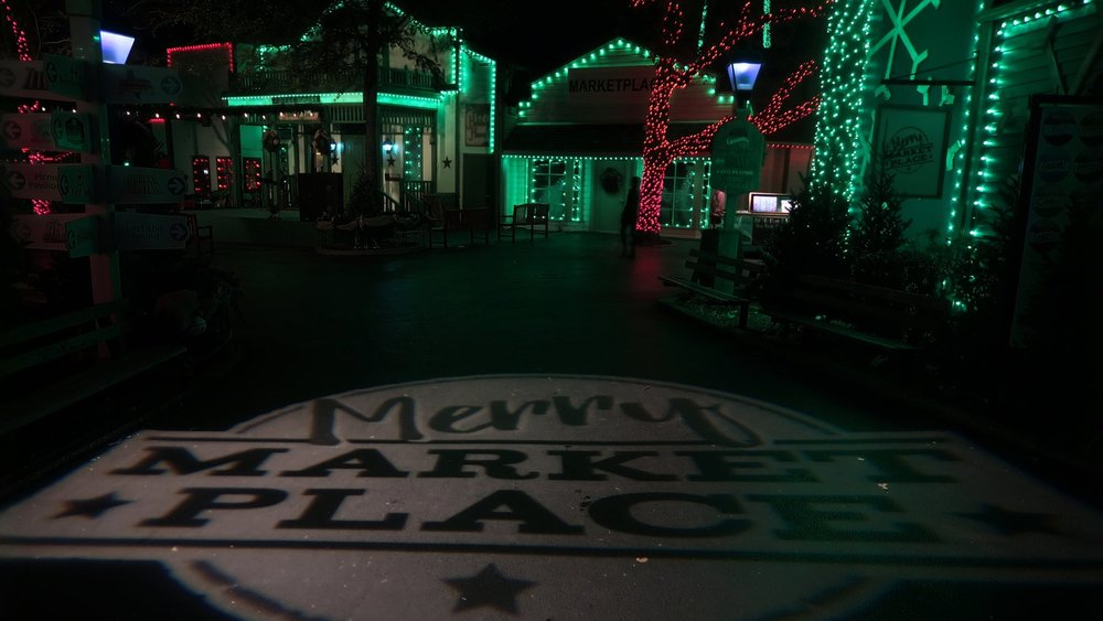 Merry Marketplace - New for 2017, Merry Marketplace includes all the feelings of a hometown holiday. Included is Santa's Outpost, the Johnson Creek Critter Corral filled with furry friends, a vintage fire truck for great photos, Texas-sized mistletoe, and a plethora of specialty food options.