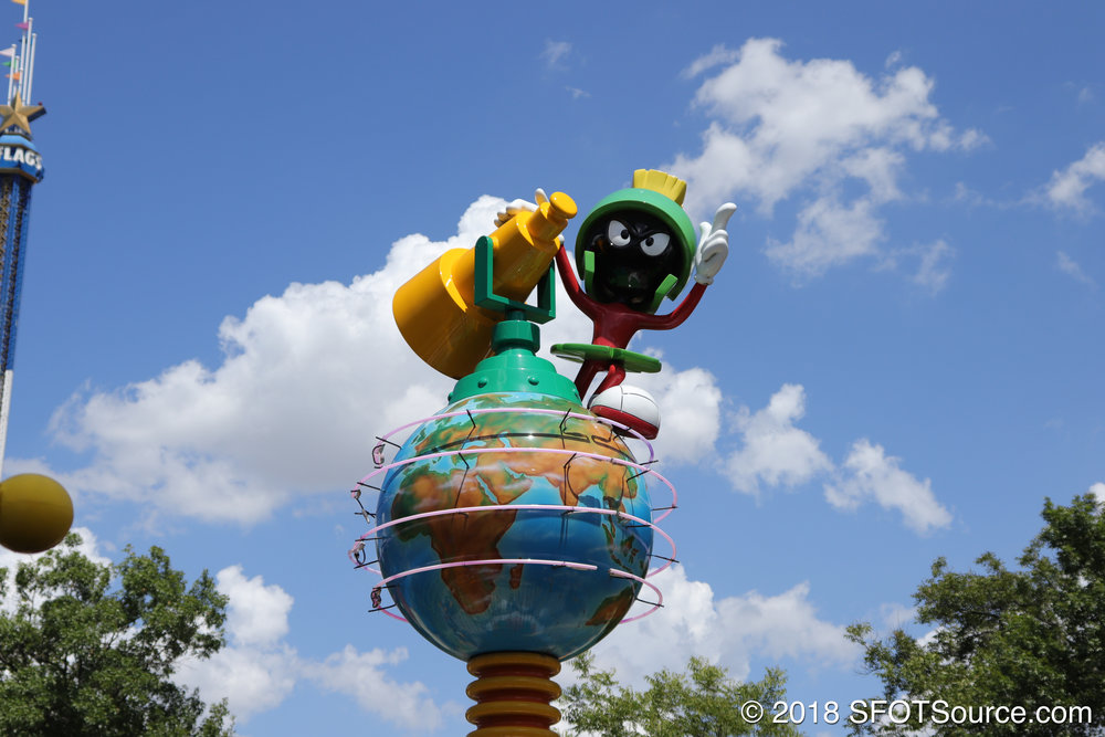 Marvin the Martian stands atop the ride.