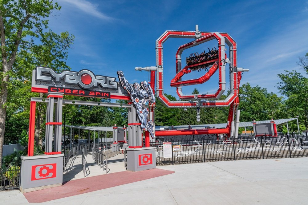 Cyborg Cyber Spin at Six Flags Great Adventure.