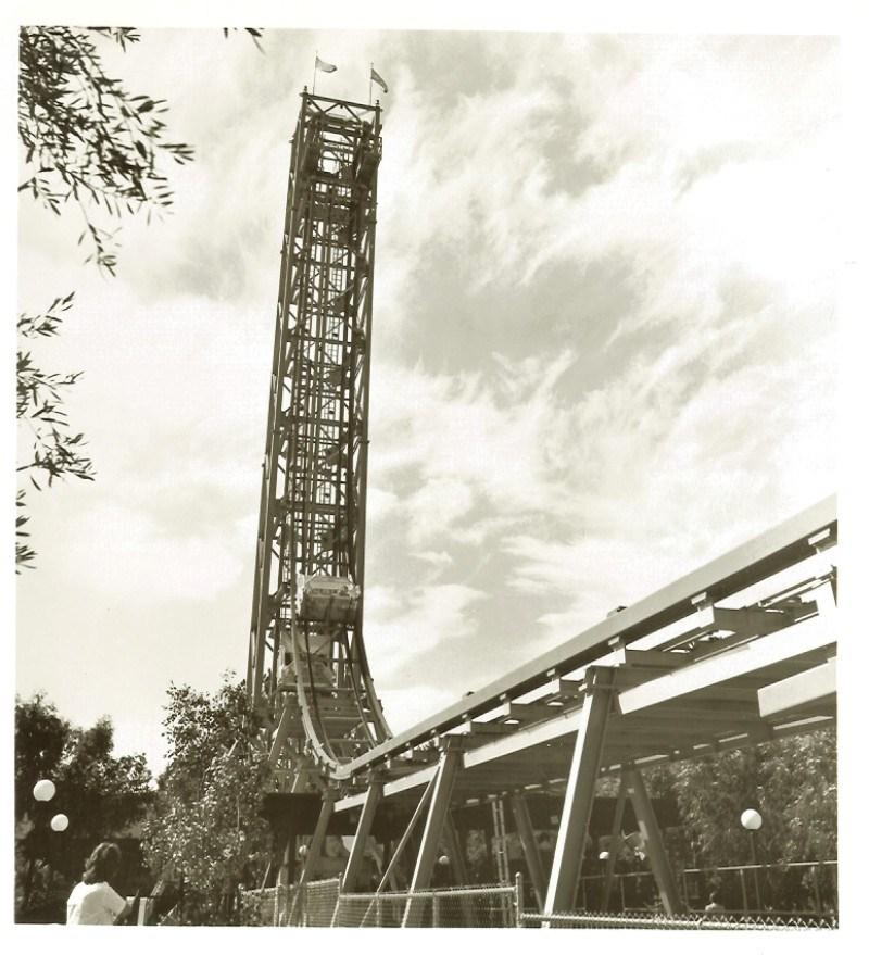 Freefall at Magic Mountain. Credit: Six Flags