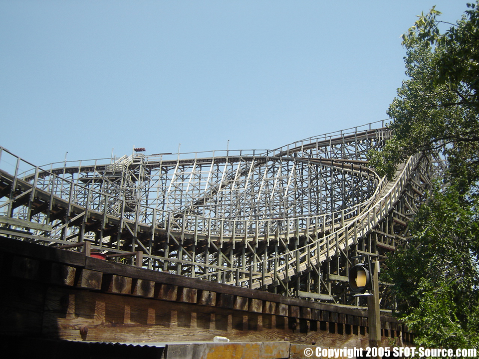 The Texas Giant's mid-course brake run.