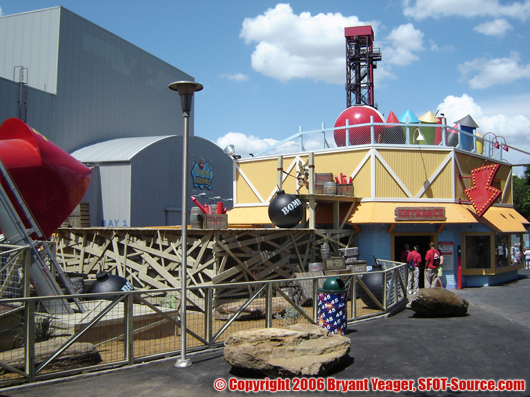 The attraction featured both an indoor and outdoor queue.