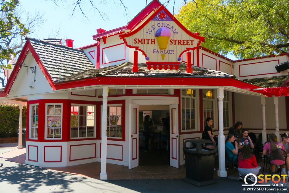 One of two entrances into Smith Street Ice Cream Parlor.