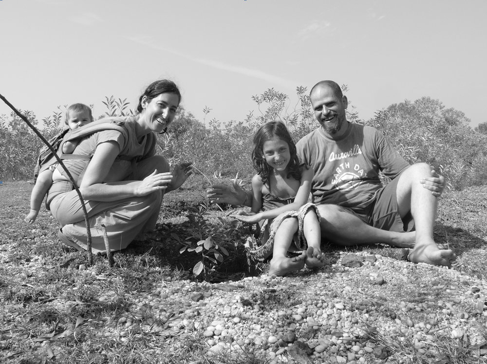 blog-post-sadhana-forest-picture-rozin-family.jpg